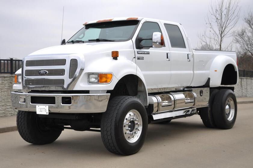 Accompanying image for Are the latest trucks too large?